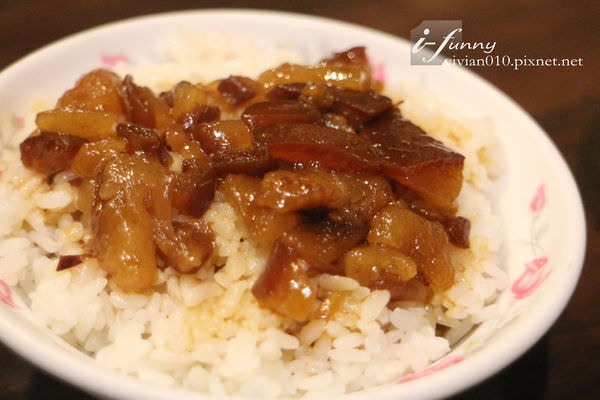 【台電大樓站】阿英台灣料理~令人懷念的中瘋滷肉飯加熱炒的簡單美味(1+2訪)